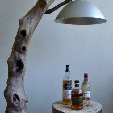 Stehlampe aus Treibholz