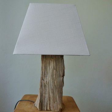 Tischlampe mit Treibholzfuß 4