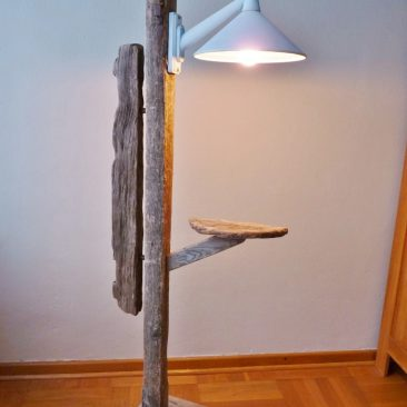 Stehlampe II