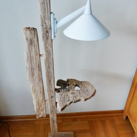 Treibholz – Stehlampe